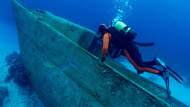 Should We Mine Ancient Shipwrecks to Push Science Into the Future?