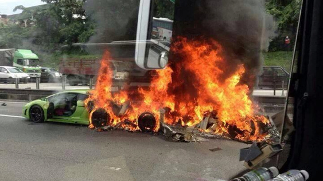 Three Lamborghinis Crash Together In Malaysia, Burn To Ground Together
