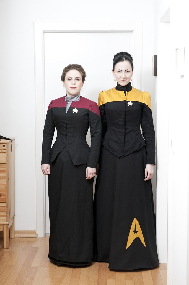 Corsets meet Star Trek in these Victorian Starfleet uniform dresses