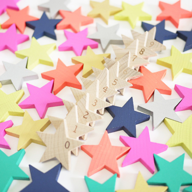 Make Stars Fall With These Five-Pointed Dominoes