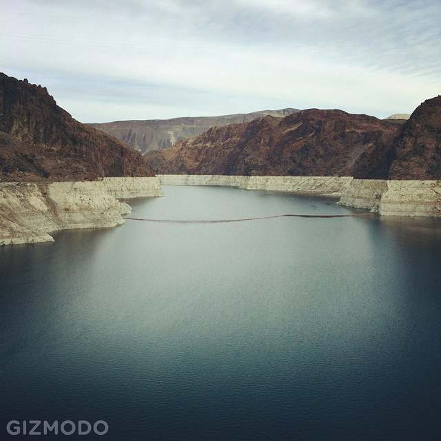 Hoover Dam Is a Super-Gadget That Keeps the Lights in Vegas Burning