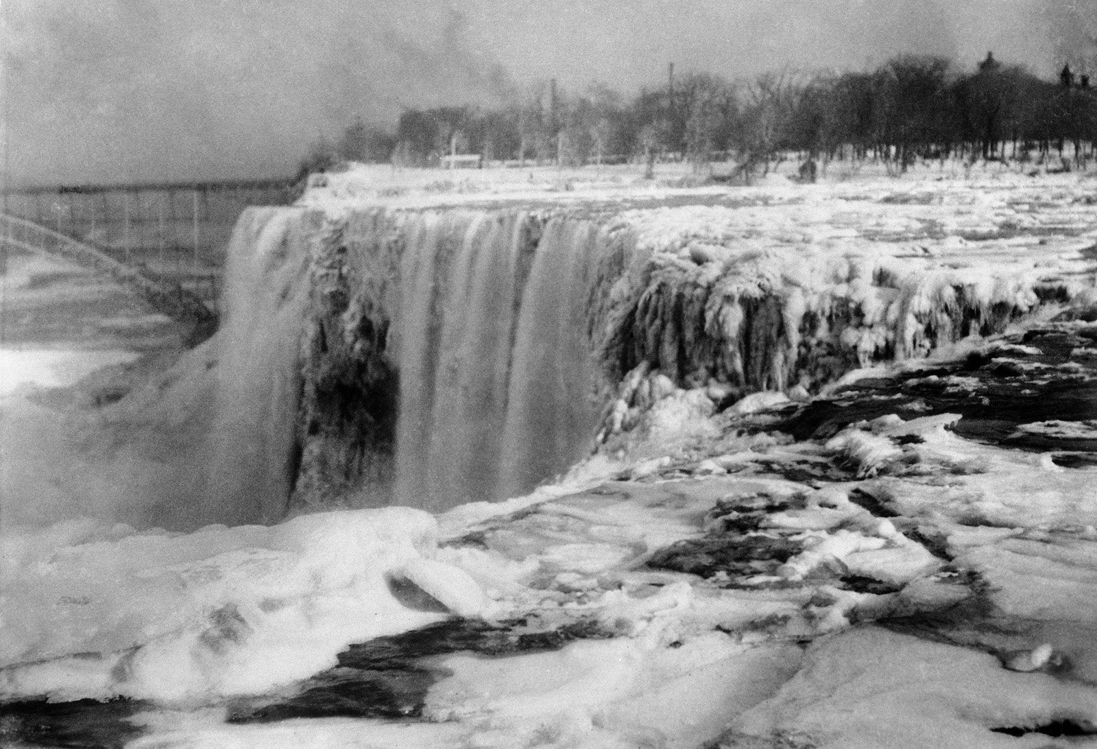 Niagara Falls Isn't Frozen -- But It's Getting There, And ...