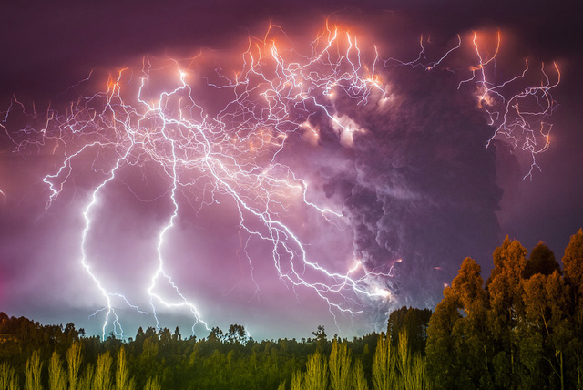 Stunning photos of colossal lightning in massive volcano eruption