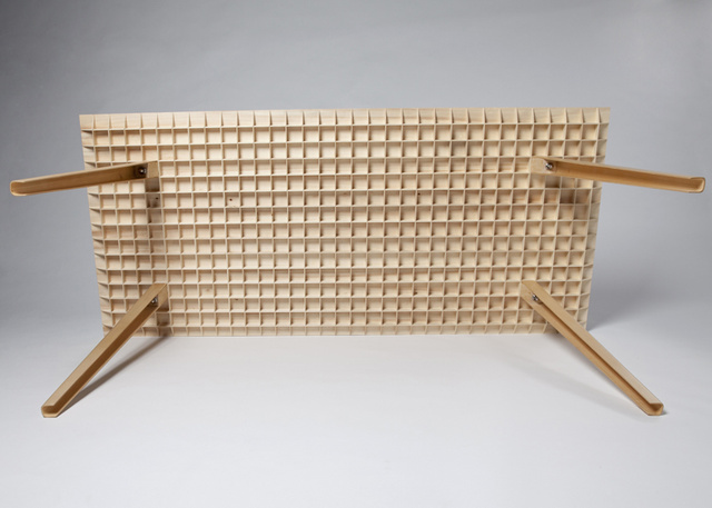 This Beautiful Wooden Table Only Weighs 4.5 Kilos
