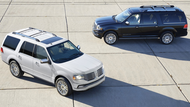 The 2015 Lincoln Navigator Is A Boring Brick With The Face Of Jaws
