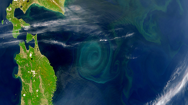 31 Mesmerizing Photos of Vortices, From Soap Bubbles to Spiral Galaxies