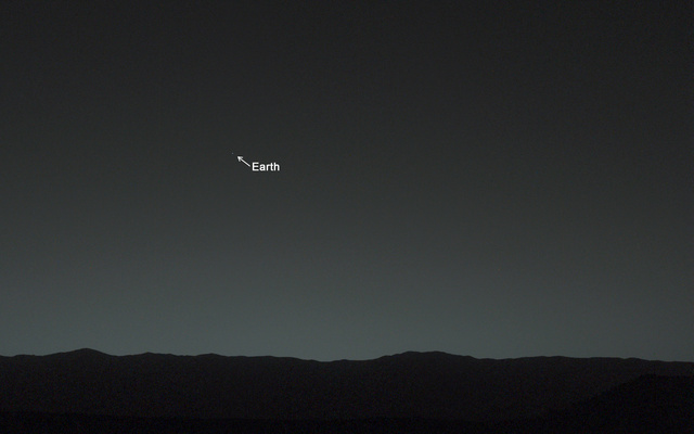 Curiosity captures its very first photo regarding Earth from the surface involving Mars