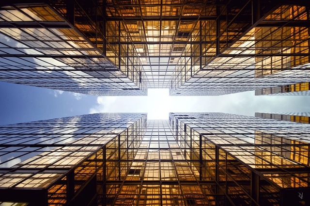 Stunning images of the skies of Hong Kong make me feel vertigo