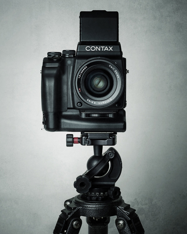 I Could Stare All Day at These Beautiful Studio Portraits of Cameras