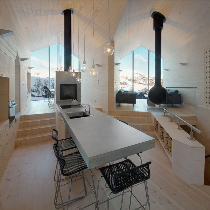 This Split-View Mountain Lodge Is the Ultimate Ski Shack
