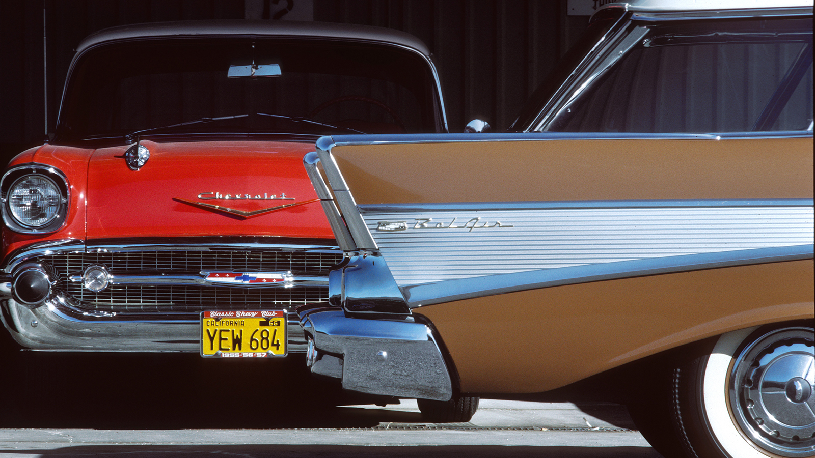 your ridiculously vintage '57 chevy wallpaper is here